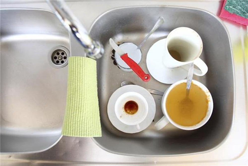 Bồn rửa bát bẩn