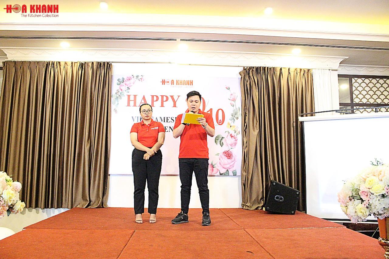 Ông Nguyễn Thành Quang – Giám đốc công ty phát biểu chúc mừng ngày phụ nữ Việt Nam 20-10.